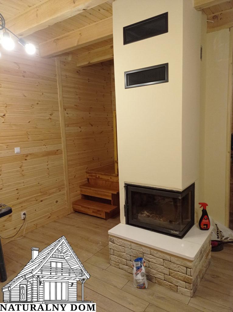 Przy budowie domu - kominek wykonany w sezonie zimowym
